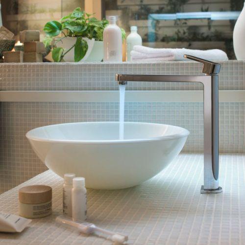 Коллекция смесителей для ванной и кухни Up