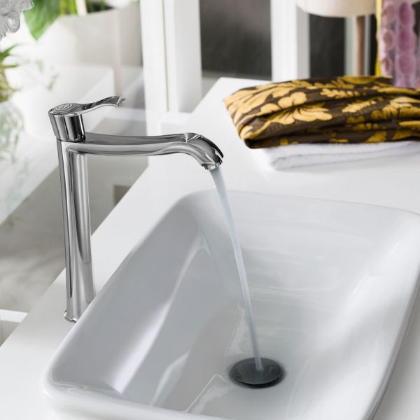 Коллекция смесителей для ванной и кухни Sofi