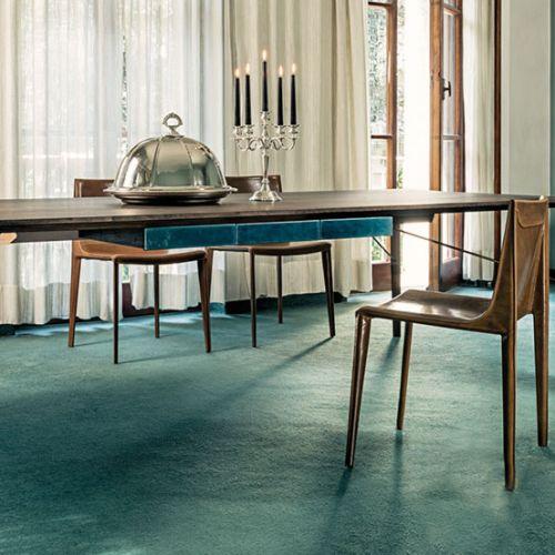 Обеденный стол Glorius, дизайн Manzoni e Tapinassi